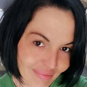 Sono Donna Di Pulizie Con Esperienza E Referenze Cerco Lavo